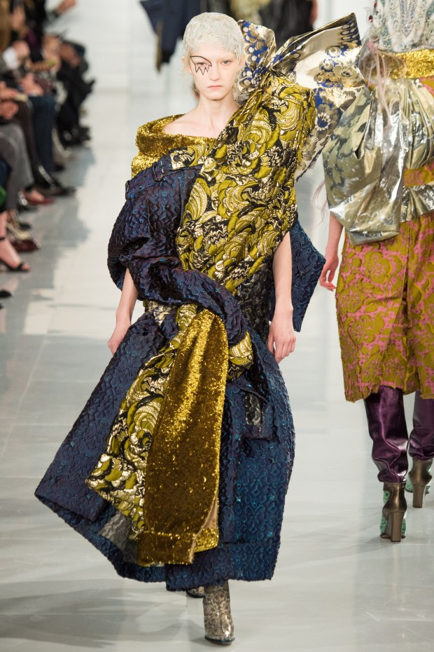 Wear your carpet to work day, could get around Maison Margiela '16 Couture.